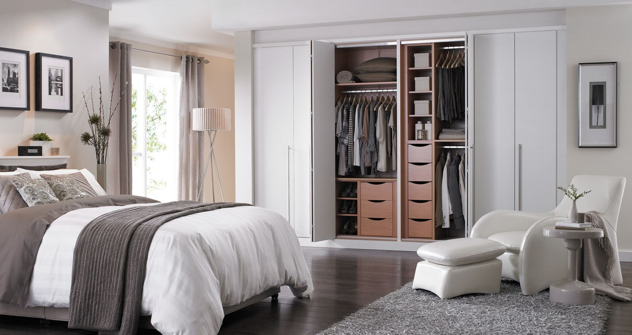 Displaying  Images For White Bedroom Doors