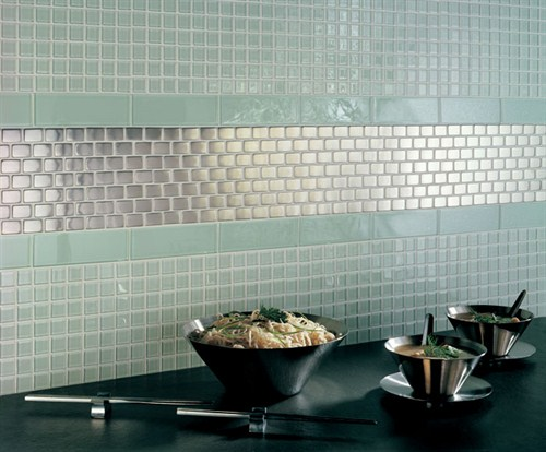 metallic-mosaic-kitchen-tiles