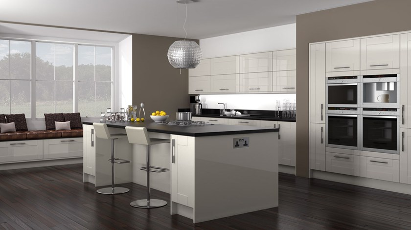 Shaker Hi Gloss Cream Kitchen Fitted Traditional Kitchens From